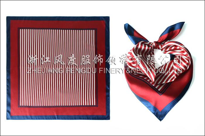 海口美兰机场免税店 仿丝小方巾 规格:53x53cm
