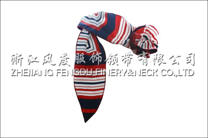 哈尔滨地铁 仿丝单花球丝巾